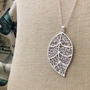 Jewelry - Sterling Silver Leaf Necklace